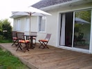 The 18m2 wooden terrace with sliding door from dining and living room