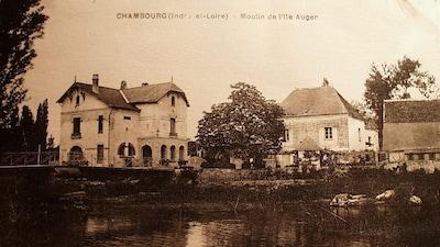Le moulin (au centre) et la maison d'habitation en 1939