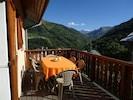 Profitez de la terrasse pour se prélasser , manger dehors ou faire un barbecue