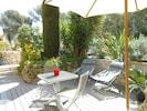 Terrasse dans la végétation