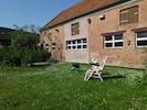 Relaxen im Hof, Kinderspielzeug verlassen