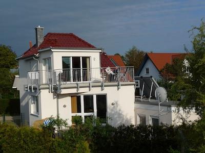 7-Personen-FH, 4-Sterne, direkt am Badestrand neben Leuchtturm