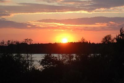 Herrliche Sonnenuntergänge bei uns am Plessower See in Werder