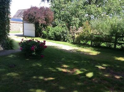 Jardin arboré et clos