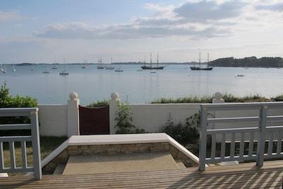 L'heure magique de fin de journée, apéritif sur la plage ou sur la terrasse...