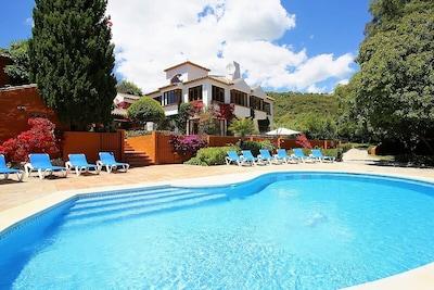 6 habitaciones, loft, piscina climatizada, spa exterior, bar exterior, chimenea