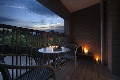 Luxury London Apartment with Balcony