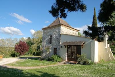 Saint-Cernin-de-Labarde, Dordogne, France