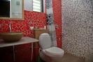 Mosaic work bathroom in Pepper House