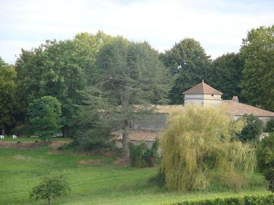 La propriété à l'arrivée par St-Jean de Blaignac