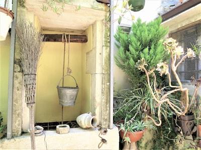 """""""CIRICO'"""" volte in pietra, travi in legno e tipico cortile privato,"""