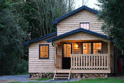 Walden Lodge - unique, peaceful, luxury on the Glamorgan Heritage Coastline.