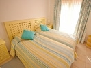 Spacious bedroom with 2 single beds