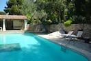 Extérieur coin piscine et pool house