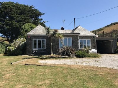 Stable Cottage , Watergate Bay , Cornwall. -Just three minutes walk from the bea