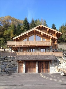 Luxury apartment in wooden chalet, quiet