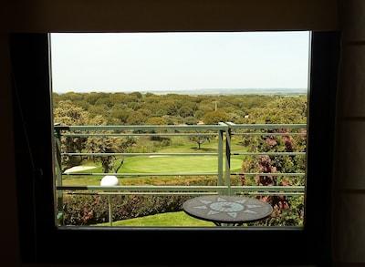 Acogedor estudio con terraza y vistas al  Campo de Golf Salamanca + WIFI