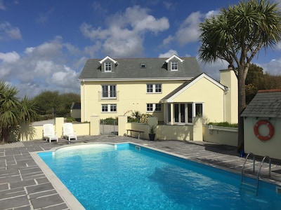 Rainbows End House in a peaceful AONB with outdoor heated Swimming pool