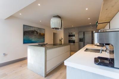 Contemporary coastal property in Cornwall
