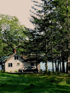 Cottage from the driveway