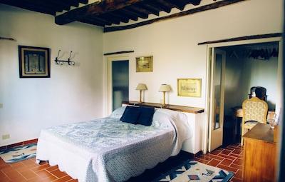 Le Stalle west bedroom - www.patrignone.com