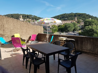 Appartement**  75 m2, 2 chambres, 6pers, terrasse 30m2 avec barbecue