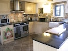 Fully fitted kitchen with everything you need to cook for the family