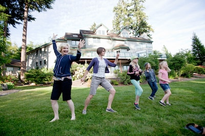 Great for family reunions, weddings & company retreats!