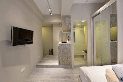 Bonham Strand West Luxury Studio *7A