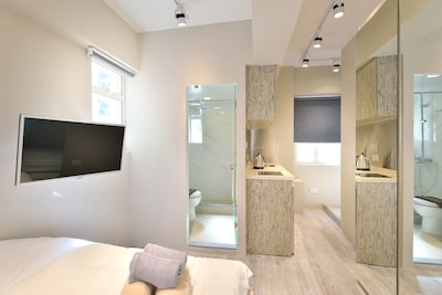 Bonham Strand West Luxury Studio *7E