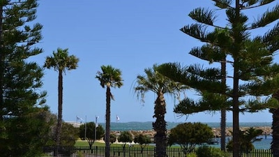 Across the road from the Fremantle Sailing Club and 50m to South Beach!