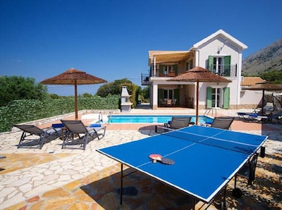 A warmly welcome at Villa Andreas, Kefalonia, nearby Agia Efimia