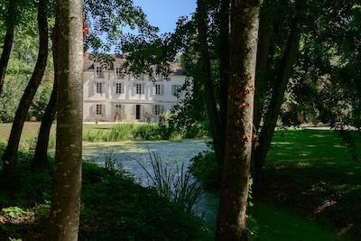 vue du chateau et de son parc