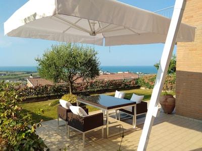 Appartamento in collina con vista mozzafiato sul mare-spiaggia a 1 km