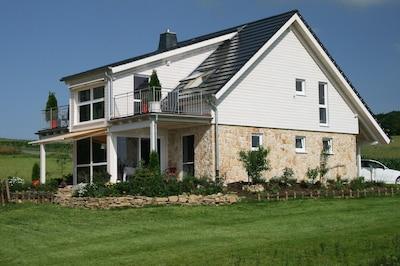 Exklusives neues Ferienhaus mit viel Platz bei Bad Arolsen/Twistesee
