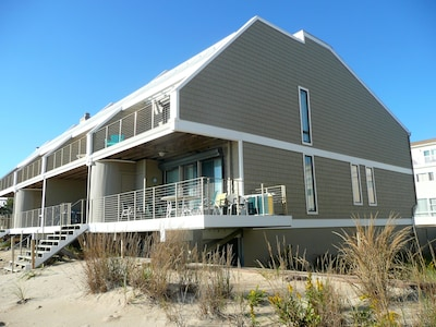 Ocean Spirit - corner townhouse, right on the sand dune at direct ocean front.
