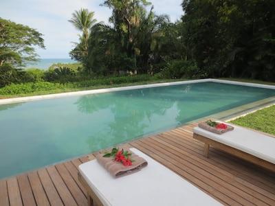 piscina y vista