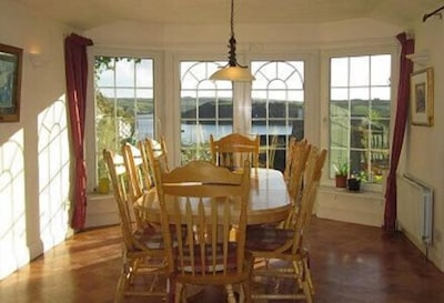 8 Seating dining room with views of harbour
