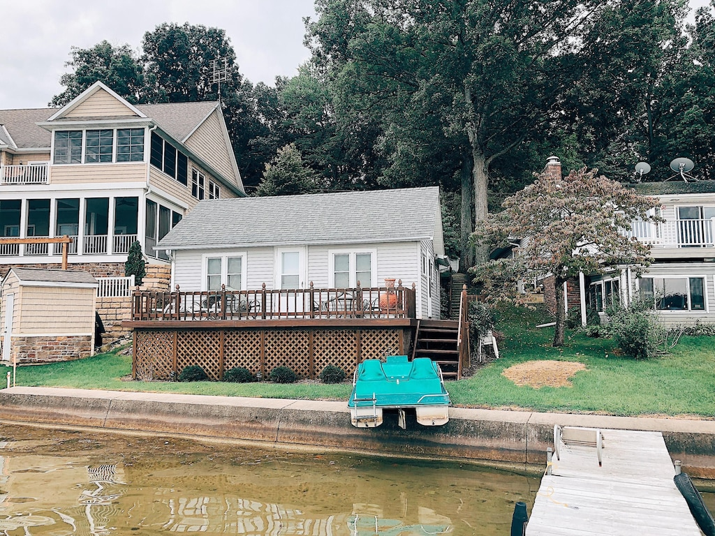 Beautiful Lakefront Property with 20 Cottages   Crooked Lake Angola ...