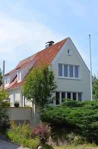 Haus 'Kurallee' mit zwei Stellplätzen