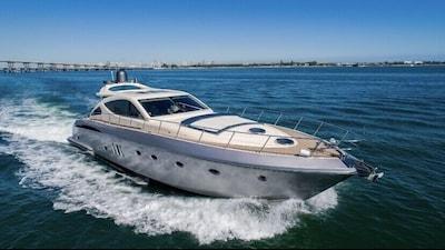 Yacht charter , Sunsekeer Manhatan 70 foot , 4 hours min , 6 hours max