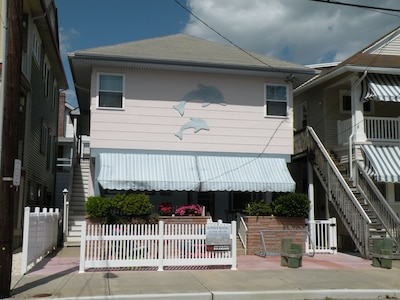 2nd fl for 7.1st fl for 6.can be rented separate or together for a total 13
