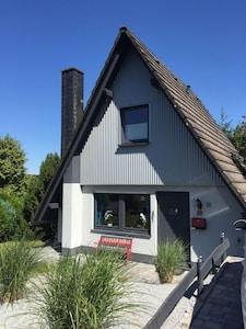 """Ferienhaus """"Auszeit am See"""" am Seeweiher in Waldernbach"""