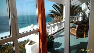 Terrasse in 1. Meereslinie Oceanfront apartment