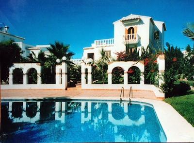 Villa Vista Montgó - view from the pool
