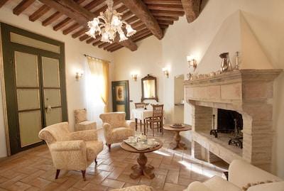 Le Logge di Silvignano - Ulysse's House - Bella villa con piscina e vista - WiFi