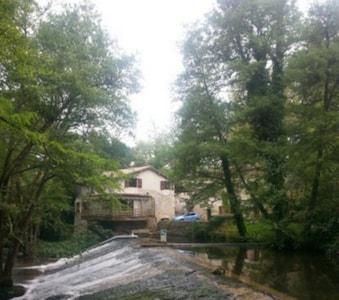 Le Moulin de Labarie vue du pont