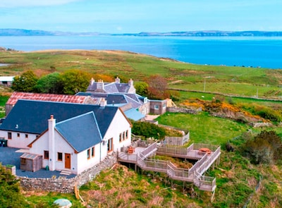 Ellister Lodge - luxury Islay self-catering, year-round