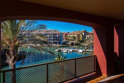 Charming apartment / Precioso apartamento en el Puerto de Sotogrande.
