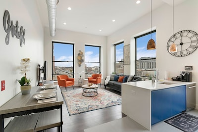 Stylish Accommodations In The Heart Of Downtown